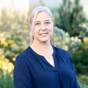 Dr. Ronelle de Villiers
